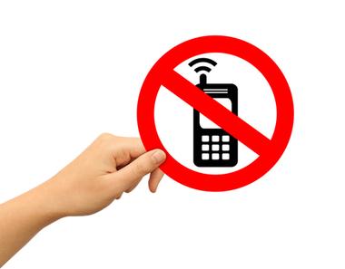 Cum blochez apeluri si mesaje nedorite pe iPhone