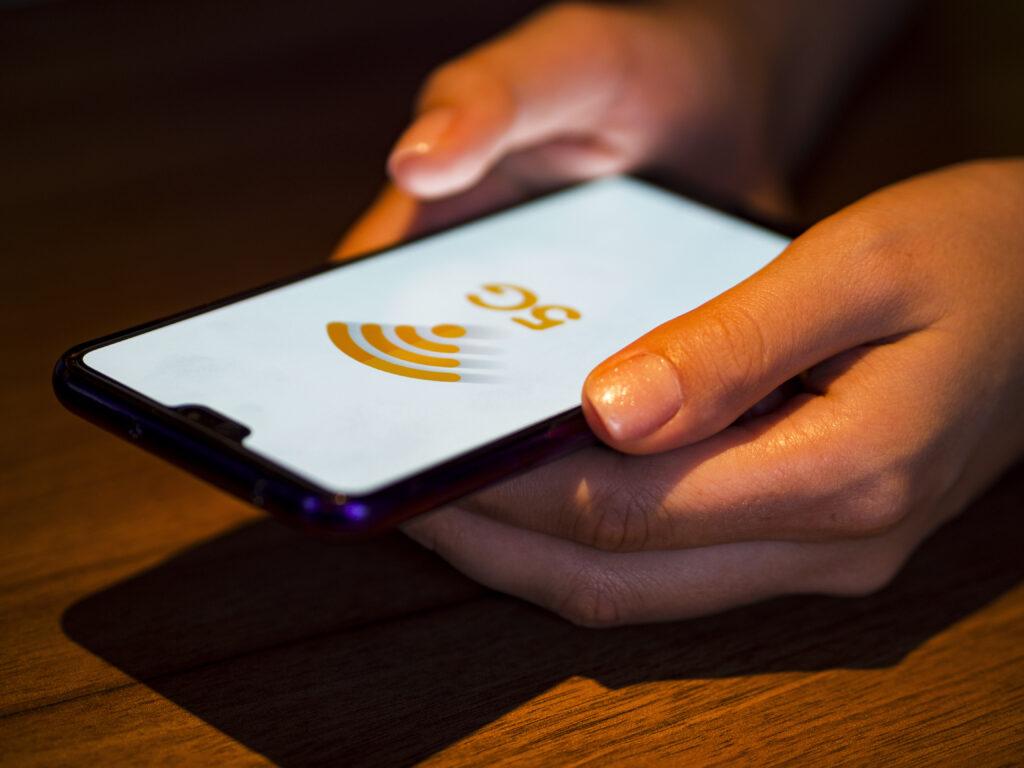10 Cele Mai Bune Telefoane 5G ale Anului 2021